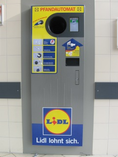 reverse vending machine for bottle deposit